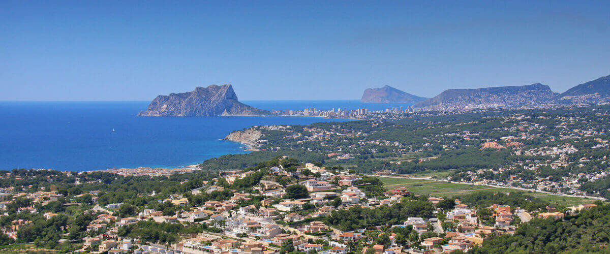Enjoy the beautiful landscapes of the Costa Blanca in Spain